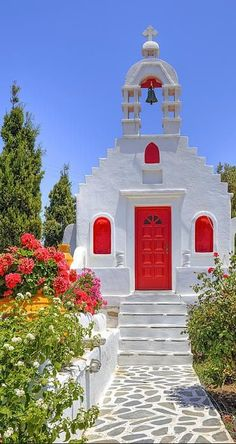 Private chapel in Mykonos island, Greece. So in love with this chapel for a destination wedding. Places Around The World, Oh The Places You'll Go, Places To Travel, Around The Worlds, Travel Destinations, Beautiful World, Beautiful Places, Mykonos Island, Greek Isles
