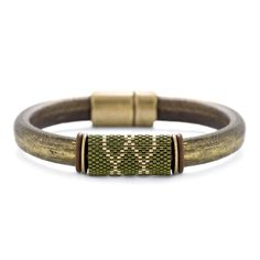 Wee Bit O' The Irish Bracelet | Fusion Beads Inspiration Gallery #DriedHerb #FusionbeadsColorOfTheMonth