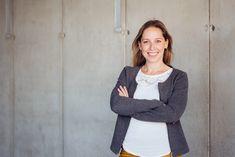 Bewerbungsfotos von Jasmin Lopez Photography. Fotografin in Klagenfurt, Kärnten, Österreich. #bewerbungsfoto #bewerbung #frau #portrait Klagenfurt, Jasmin, Portrait, Sweaters, Woman, Headshot Photography, Portrait Paintings, Sweater, Drawings