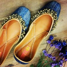 Something about ghungroos which makes this pair of Vians so very gorgeous:: vian designer juttis .. Just for the indian wedding