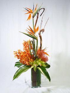 Тропические Цветы, Композиции Из Тропических Цветов, Экзотические Цветы, Летние Цветы, Шёлковые Цветы, Фиолетовые Цветы, Цветы На Алтарь, Современные Цветочные Композиции, Вечеринки На Японскую Тему