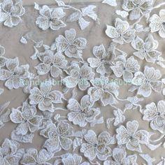 Blanco y oro/púrpura moda alta calidad 3D flores red novia bordado del hilo de rosca evinging Vestido de tela de encaje