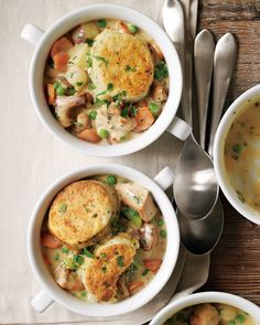 Soup Potluck:    Welcome fall with a cozy soup potluck. It's the ultimate casual get-together. Almost everything can be made ahead of time, and there's no fuss when it comes to serving!    Recipe @  http://blog.williams-sonoma.com