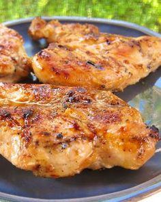 Sweet & Tangy Grilled Chicken - cider vinegar & brown sugar make a surprisingly great marinade! #MemorialDay #grilling