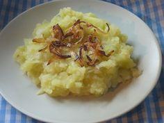 Zelí = hlávkovú kapustu nakrájame na rezance a dáme variť s korením do osolenej vody (len aby bola prikrytá). Očistené zemiaky dáme variť s...