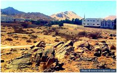 Site of the battle of Badr This picture shows a view of Badr where the first battle in Islam took place in Ramadhan 2AH. The Prophet (peace and blessings of Allah be on him) and the Sahabah, only 313 in number defeated a Quraish army of 1000 through the help of Allah (Glorified and Exalted is He).