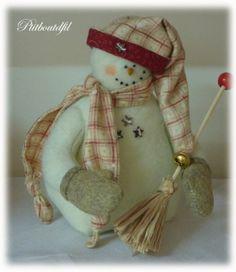 Bonhomme de neige en feutrine avec moufles