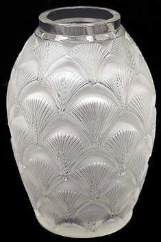 R. Lalique Vase Herblay, circa 1932
