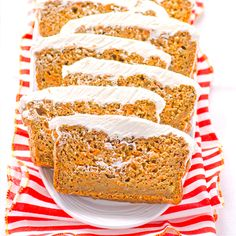 Skinny Carrot Cake Loaf with Cream Cheese Frosting -- Healthy whole wheat cake made in a loaf pan, without oil/butter/refined sugars and with lighter frosting. Moist and easy.