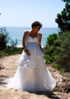 85709b1a4a1 Sexy Sweetheart V-neck Halter with Ruffle Skirt Maternity Wedding Dresses  Pregnant Wedding Dress