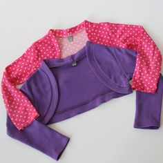sovanisa: free tutorial to sew girls bolero Sewing Projects For Kids, Sewing For Kids, Baby Sewing, Free Sewing, Diy Clothes And Shoes, Sewing Kids Clothes, Childrens Sewing Patterns, Clothing Patterns, Little Girl Dresses