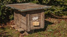 ein selbstgebauter Hummelkasten
