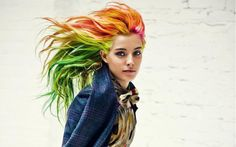 Chloe Norgaard The Headbang