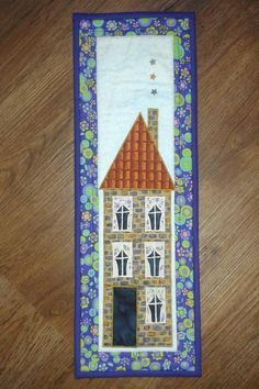 Skinny Town House - via Quilting Projects, Sewing Projects, Quilting Ideas, Skinny Quilts, Hobby Town, Hobbies For Kids, Ceramic Wall Art, House Quilts, House Landscape