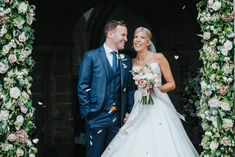 Super windy wedding day, nevertheless totally awesome! Stunning florals and fantastic fun couple with style Rutland Water, Wedding Photos, Wedding Day, Totally Awesome, Golf Clubs, Wedding Photography, Couples, Wedding Dresses, Floral