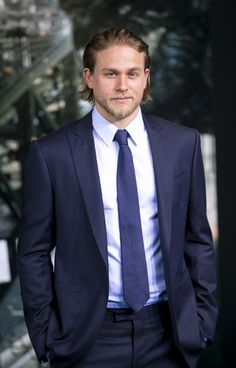 Charlie Hunnam Girlfriend Pregnant | Charlie Hunnam quits Los Angeles - Daily Dish