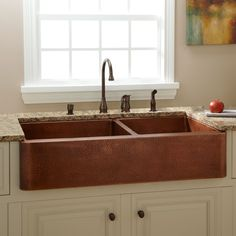 Bring luminosity to your kitchen with the Fiona Double-Bowl Hammered Copper Farmhouse Sink. This large kitchen sink features a hand-hammered texture inside and out, for a wonderfully rustic look. Rounded inside corners and a slightly angled design make cl Fireclay Farmhouse Sink, Copper Farmhouse Sinks, Farmhouse Sink Kitchen, New Kitchen, Kitchen Ideas, Copper Sinks, Copper Apron Sink, Copper Farm Sink, Kitchen Stuff