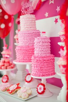 american girl doll party cakes- I like the tags