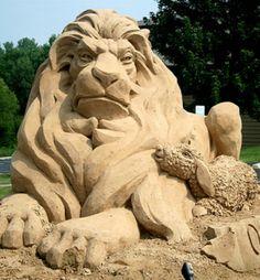 sand art3. Abstract Sculpture, Sculpture Art, Bronze Sculpture, Snow Sculptures, Metal Sculptures, New York Graffiti, Ice Art, Snow Art, Grain Of Sand