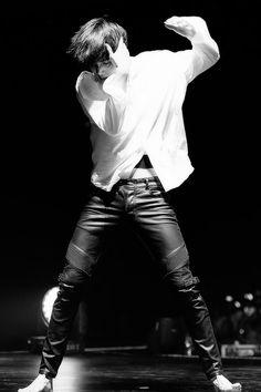 #EXO #KAI #JONGIN why does he looks sooo fineee 'A'