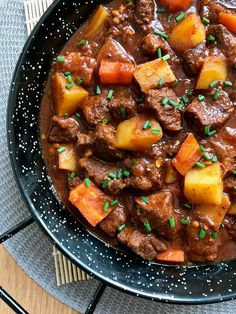 Cooking the Chef Goulash, Desert Recipes, Gourmet Recipes, Beef Recipes, Healthy Recipes, Drink Recipes, My Favorite Food, Favorite Recipes, Vegetable Drinks