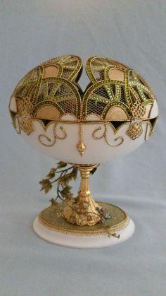 Types Of Eggs, Egg Shell Art, 20 Wedding Anniversary, Carved Eggs, Easter Egg Designs, Ukrainian Art, Egg Crafts, Faberge Eggs, Egg Art