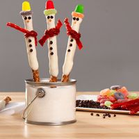 These cute holiday treats will go fast, so make extra for your office or holiday party.
