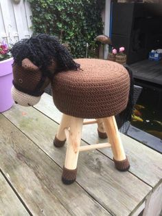 caballo Cute Crochet, Crochet For Kids, Crochet Crafts, Crochet Dolls, Crochet Baby, Crochet Projects, Knit Crochet, Crochet Horse, Crochet Animals
