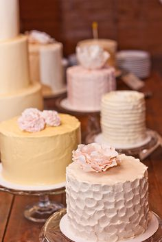 """Basically what my """"cake Table"""" will be like at my wedding! LoL Love the idea of multiple wedding cakes in different flavors/colors. Would also be a great decor point! Fancy Cakes, Mini Cakes, Cupcake Cakes, Cake Table, Dessert Table, Pretty Cakes, Beautiful Cakes, Whole Foods Cake, Multiple Wedding Cakes"""