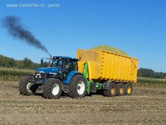 New Holland 8970 hauling maize silage.
