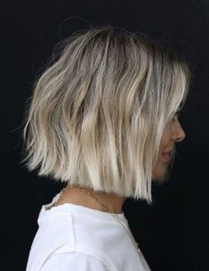 Fringe Hairstyles, Bob Hairstyles, Short Blond Hairstyles, Short Hair Cuts, Short Hair Styles, Short Blunt Haircut, Blunt Bob Haircuts, Brown Blonde Hair, Blonde Ombre Bob