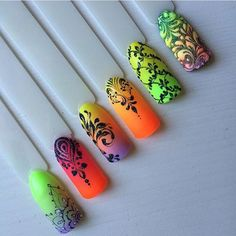 Neon nails with powdery designs. Neon Nails, Diy Nails, Cute Nails, Pretty Nails, Fabulous Nails, Gorgeous Nails, Gel Nail Art, Acrylic Nails, Galeries D'art D'ongles
