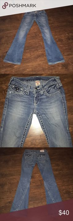 """True Religion Jeans True religion Jeans. Amazing condition except one jewel missing on back pocket (see in pictures). Size 25, 31"""" inseam True Religion Jeans Boot Cut"""