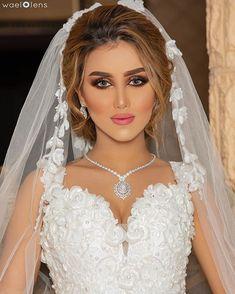 Image may contain: 1 person, wedding Bridal Hijab, Bridal Hair, Vacation Makeup, Muslim Fashion, Simple Makeup, Bride Hairstyles, Wedding Makeup, Elegant, Wedding Dresses