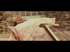 """Pin for Later: 12 Choses Étonnantes Que Vous Ne Saviez Pas à Propos de Léa Seydoux Son premier rôle était dans un clip vidéo. En 2005, elle a joué dans le clip vidéo pour """"Ne Partons Pas Fachés"""" de Raphael."""