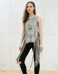 Descubre las últimas tendencias en Camisetas en Bershka. Entra ahora y encuentra…