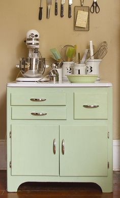 "Check out this gorgeous post from @Suzonne Stirling | Urban Comfort for recipe on how to make ""Vintage Kitchen Green"" with Chalk Paint™ from @Annie Sloan"