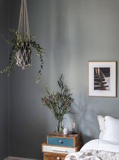 Home tour: Lejlighed med gennemgangsrum og hyggekroge | Kreavilla Sol Sombre, Open Plan Apartment, Swedish House, Cozy Bedroom, Blue Bedroom, Scandinavian Home, Spring Colors, Room Interior, Room Decor