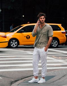 Libertyn street style mens fashion - www. Summer Outfits Men, Stylish Mens Outfits, Casual Outfits, Men Casual, Guy Outfits, Summer Clothes For Men, Man Style Casual, Mens Linen Outfits, Stylish Man