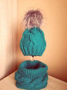 Pavlak / Zelený set Winter Hats, Fashion, Moda, Fashion Styles, Fashion Illustrations