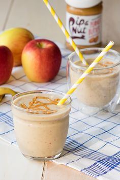 The all-time favorite snack in a grab 'n go breakfast: Apple Peanut Butter Smoothie