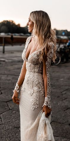 21 Illusion Long Sleeve Wedding Dresses You'll Like Choosing a wedding dress? There are many variations of different dresses, but one of the best is illusion long sleeve wedding dresses. Long Sleeve Wedding, Wedding Dress Sleeves, Best Wedding Dresses, Wedding Attire, Bridal Dresses, Lace Wedding, Wedding Bride, Illusion Wedding Dresses, Couture Wedding Dresses