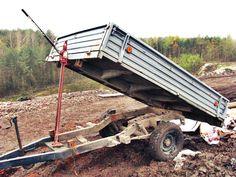 Hi-lifting tipping trailer