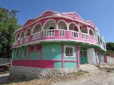 Gaudi House. Santiago de la Frontera, Santa Ana. El Salvador. Foto: Ana Silva