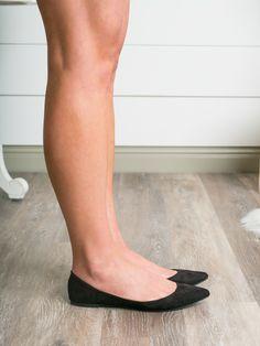 Black Flats and Great Legs Ballerina Flats, Ballet Flats, Ballerinas, Floral Flats, Stockings Legs, Cute Flats, Women Legs, Lovely Legs, Pointed Toe Flats