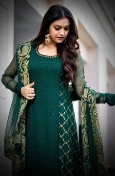 Indian Actress Photos, Indian Celebrities, Women's Fashion Dresses, Designer Dresses, Gray Color, Celebs, Saree, Gowns, Actresses