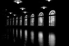 Monochrome Nightmare – The Hall