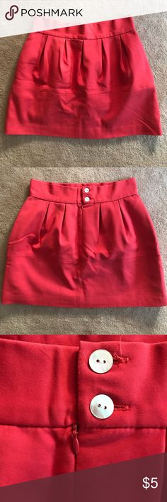 """Zara Tulip Mini Skirt Color has faded, otherwise in great condition. Cute style, easily pairs with neutral flats and white shirt for an easy daytime look, or dress up for afternoon/evening. Skirt runs small in size (I generally wear a size small) and this is a medium. I am 5'4"""" / 125lb. Zara Skirts Mini"""