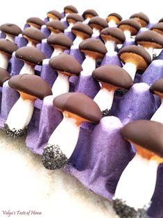 Mushroom Cookies Recipe - Valya's Taste of Home Cocoa Chocolate, Chocolate Cookies, Chocolate Chips, Christmas Cookies Gift, Christmas Desserts, Baked Mushrooms, Stuffed Mushrooms, Baking Recipes, Cookie Recipes