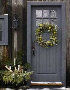 Front Door Paint Colors - Want a quick makeover? Paint your front door a different color. Here a pretty front door color ideas to improve your home's curb appeal and add more style! Exterior Doors, Exterior Paint, Entry Doors, Interior And Exterior, Porch Doors, Beige House Exterior, Exterior Design, Garage Entry Door, Front Door Entrance